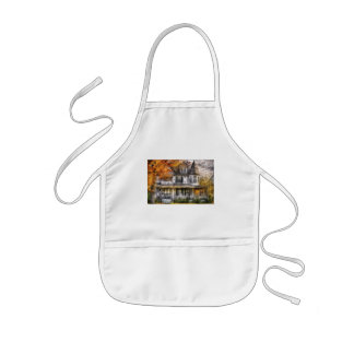 House - Classic Victorian Aprons