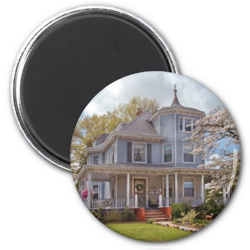 House - Grannies House 2 Inch Round Magnet