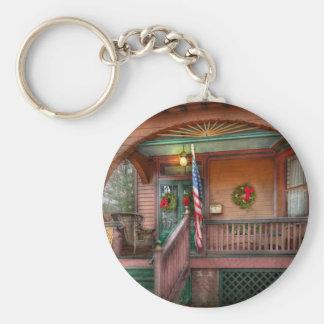 House - Metuchen, NJ - That yule tide spirit Basic Round Button Keychain