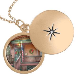 House - Metuchen, NJ - That yule tide spirit Round Locket Necklace