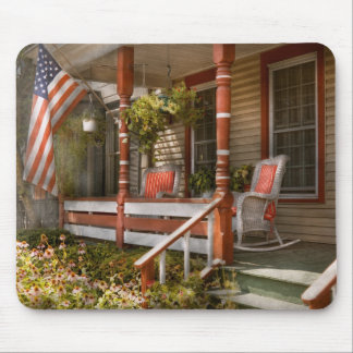House - Porch - Traditional American Mouse Pad