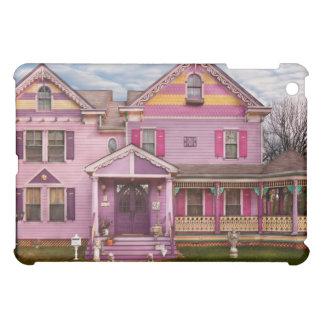 House - Victorian - I love bright colors iPad Mini Cover