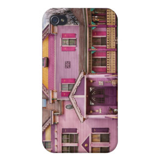 House - Victorian - I love bright colors iPhone 4 Case