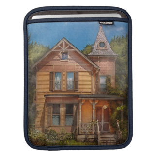 House - Victorian - The wayward inn Sleeves For iPads