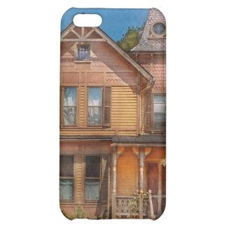 House - Victorian - The wayward inn iPhone 5C Cases