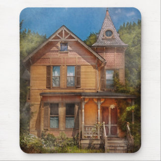 House - Victorian - The wayward inn Mouse Pad