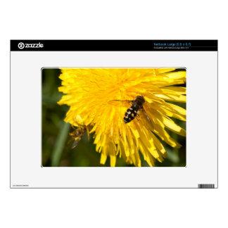 Hoverflies on Dandelions Skin For Netbook