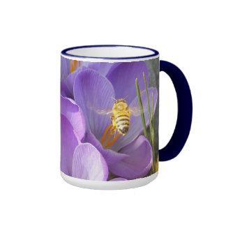 Hovering Bee 45 ~ mug
