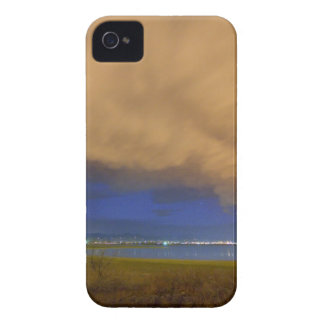 hovering_stormy_weather.jpg Case-Mate iPhone 4 cobertura