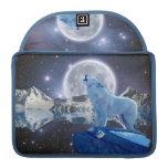 Howling Arctic Wolf & Moon MacBook Flap Sleeve MacBook Pro Sleeve