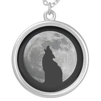 HOWLING AT THE MOON ROUND PENDANT NECKLACE