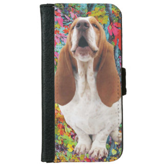Howling Basset Hound in the Woods iPhone 6/6s Wallet Case