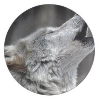 Howling Tundra Wolf Plate