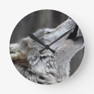 Howling Tundra Wolf Round Clock