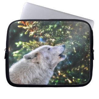 Howling White Arctic Wolf Wildlife Photo Computer Sleeves