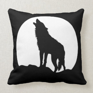 Howling wolf black throw pillow