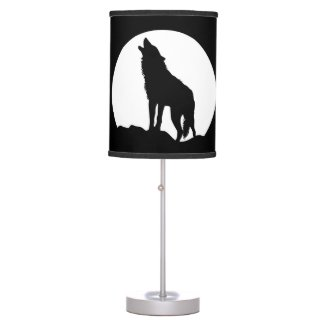 Howling wolf moon black table lamp