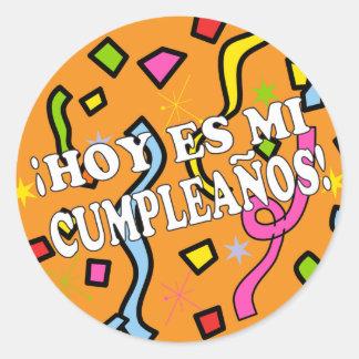 Hoy es mi cumpleaños Birhday in Spanish Round Sticker