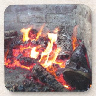 Hoyo del fuego posavasos de bebida