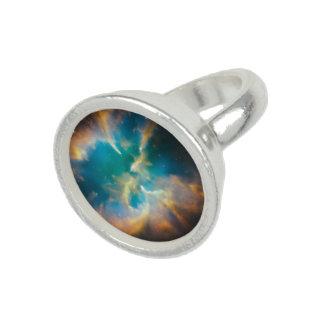Hubble Snaps a Splendid Planetary Nebula Photo Ring