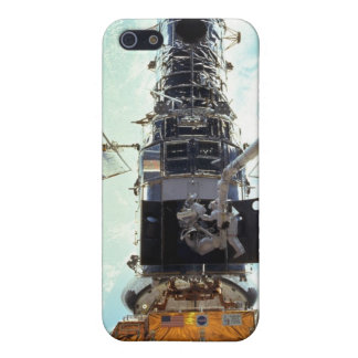 Hubble Space Telescope and astronauts Cover For iPhone SE/5/5s