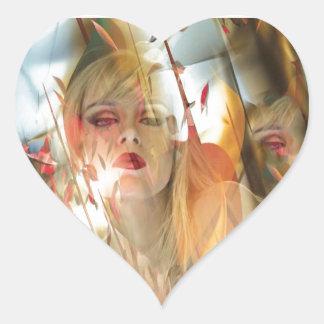 Hueco soñoliento pegatina en forma de corazón