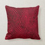 Huella dactilar en rojo y negro almohada