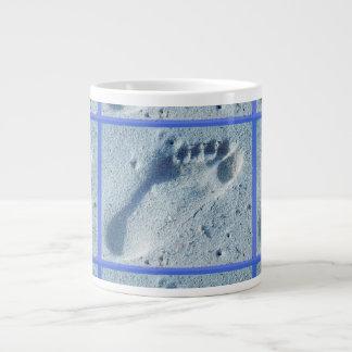 Huella en la arena taza grande