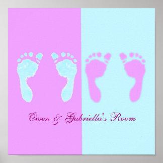 Huellas del bebé (gemelos del muchacho/del chica) poster