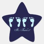 Huellas del bebé (gemelos del muchacho) pegatina en forma de estrella