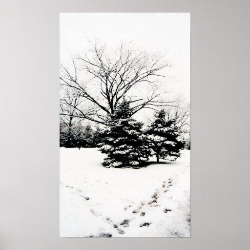 Huellas en el poster de la nieve