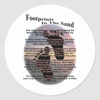Huellas en la arena pegatina redonda