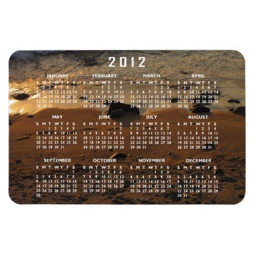 Huellas en la playa; Calendario 2012 Imanes