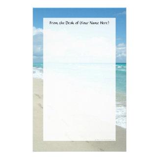 Huellas en la playa de Sandy blanca aguamarina es Papeleria Personalizada