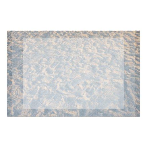 Huellas por todo la arena de la playa, rosa azul d personalized stationery