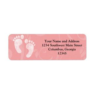 Huellas rosadas/blancas del bebé etiqueta de remite