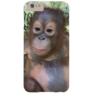 Huérfano lindo del orangután del bebé de la funda para iPhone 6 plus barely there