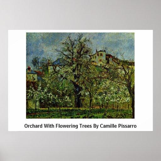 Huerta con los árboles florecientes de Camille Pis Poster