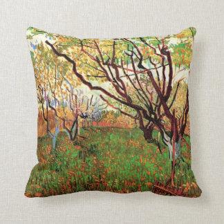 Huerta en el flor Vincent van Gogh Cojín