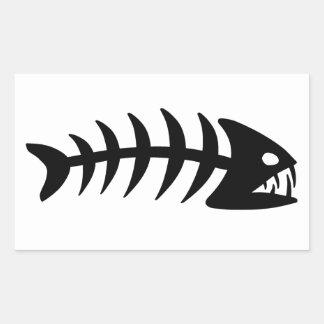 Hueso de pescados de la piraña pegatina rectangular