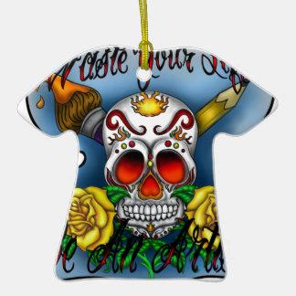 Huesos del cráneo y del arte del azúcar de WYL Adorno Navideño De Cerámica En Forma De Playera