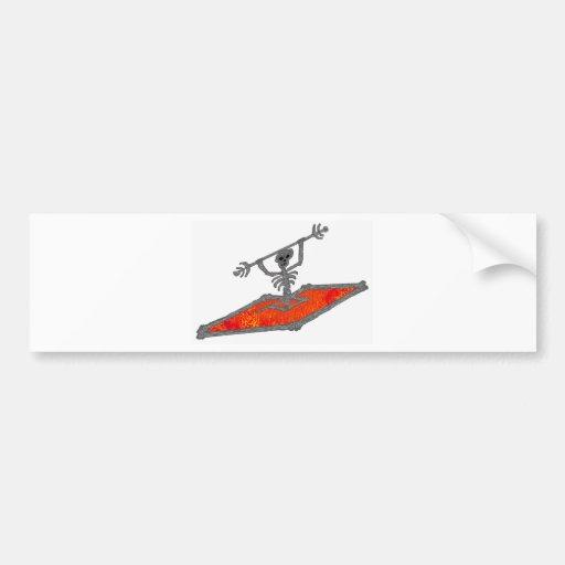 Huesos del rojo del kajak etiqueta de parachoque