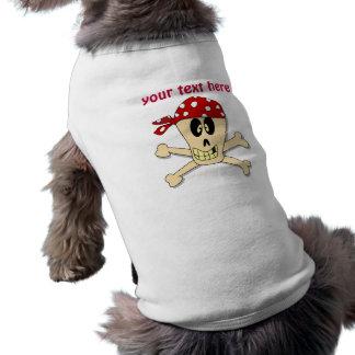 Huesos sonrientes del cráneo y de la cruz del pira camisa de perro