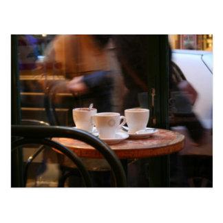 Huésped del café de la atmósfera o postal