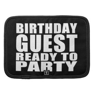 Huéspedes: Huésped del cumpleaños lista para ir de Planificadores