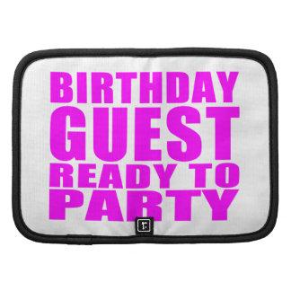Huéspedes: Huésped del cumpleaños lista para ir de Organizador