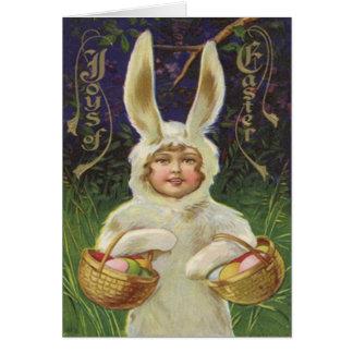 Huevo coloreado cesta del traje del conejito de pa tarjeta de felicitación