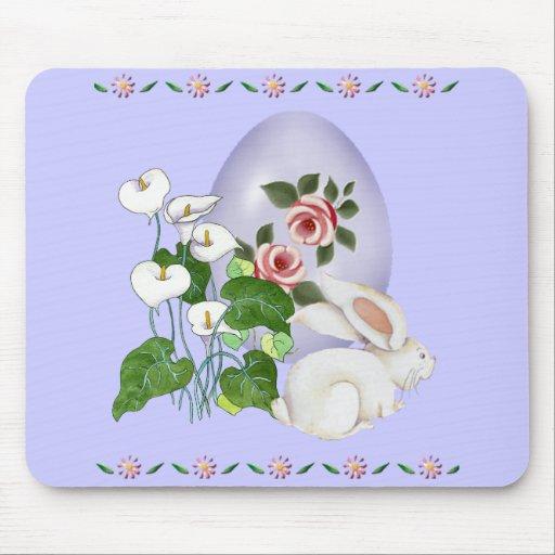 Huevo de la lavanda y conejito blanco tapetes de ratón