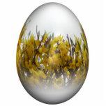 Huevo de Pascua con forsythia