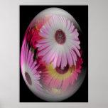 huevo de Pascua con las flores llamativas Impresiones